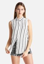 New Look - Elizabeth Stripe Sleeveless Shirt