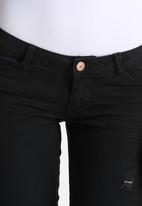 Vero Moda - Kate Slim Destroy Jeans