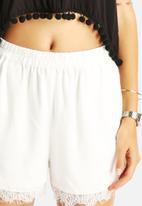 VILA - Eliza Shorts