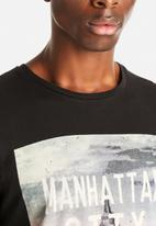 Jack & Jones - Bird Eye Crew Neck Tee