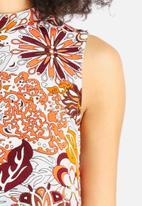 Glamorous - Funnel Neck Dress