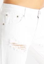 Glamorous - Slashed Boyfriend Jeans
