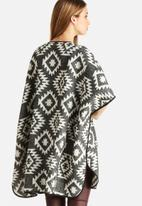 Vero Moda - Snow 3/4 Cape