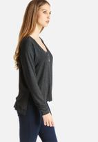 Vero Moda - Busy V-Neck Top