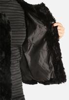Vero Moda - Curl Short Faux Fur Jacket