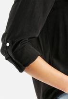 Vero Moda - Cobra Shirt