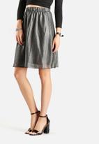 Vero Moda - Shiny Swing Skirt