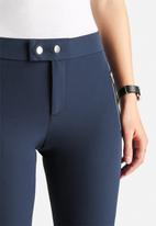 Vero Moda - Sweety Slim Ankle Pants