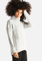 Noisy May - Goth Rollneck Knit
