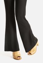 Vero Moda - Sassa Flare Pants