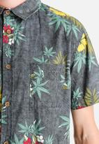 Globe - Highbiscus Shirt