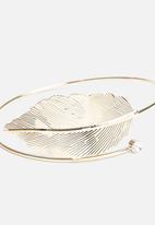 New Look - Elegant Leaf Armcuff
