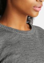Noisy May - Cropped Knit Top