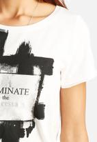 ONLY - Julia Eliminate Tee