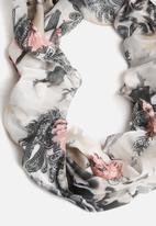 Pieces - Rene Tube Scarf