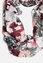 Pieces - Irene Tube Scarf