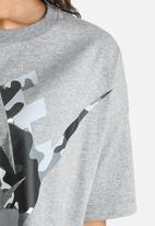 Nike - Nike Cropped Camo Tee