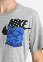 Nike - Nike Pocket Tee