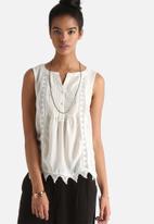 Vero Moda - Lore Shirt