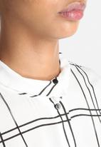 Vero Moda - Grid Shirt