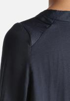 Vero Moda - Shiny Top