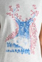 Vero Moda - Nature Printed Tee