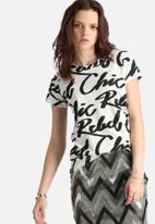 ONLY - Noomi Scribble Tee