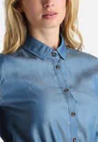 dailyfriday - Dean Chambray Shirt