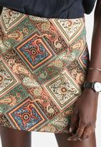 Motel - Annie Twill Stretch Paisley Patch Skirt