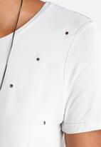 Vero Moda - Alaia Eyeled Top