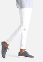 Only & Sons - Knee Cut Denims