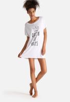 Adolescent Clothing - Queen Of Naps
