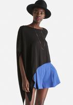 ONLY - Gyra Assymetrical Top