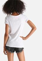 Superdry. - Ticket Type World Wide O-Neck Tee