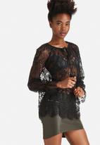 Vero Moda - Mina Lace Top
