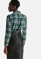 Vero Moda - Iza Loose Check Shirt