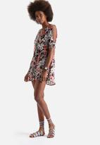 Influence. - Cut Out Shoulder Cheesecloth Dress