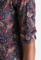 Influence. - Paisley Print Longline Shirt