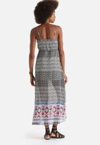 Influence. - Geometric Print Waist Tie Maxi Dress