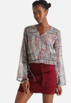 Influence. - Washed Out Tile Print Bell Sleeve Blouse