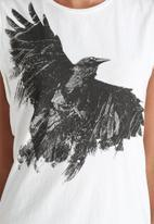 Noisy May - Raven Vest