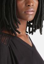 Vero Moda - Ebony Top