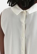 Vero Moda - Hip High Neck Top
