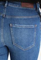 Vero Moda - Nine Slim Knee Distressed Jeans