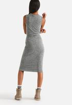 Noisy May - Polly Tie Front Midi Dress
