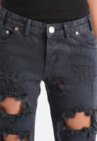 Glamorous - Destroyed Boyfriend Jeans