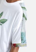 adidas Originals - Training Cuffed Floral Tee