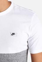 Nike - Shoebox Tee