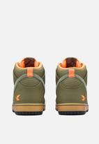 Nike - Nike Dunk Comfort Premium