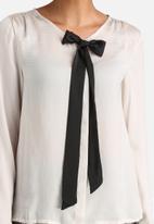 Vero Moda - Bonita Bow Top